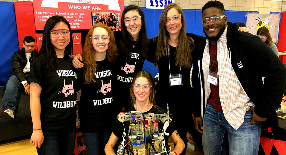 Twitch Partners Deejay Knight and Skylias meet the Winsor Wildbots at a FIRST Tech Challenge event