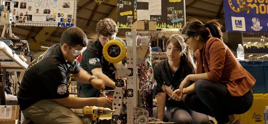 FIRST alum Angelica Hernandez, a renewable energy engineer, mentors students from her FIRST Robotics Competition